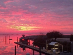 Good morning, y'all! #fishhousepensacola #fishhouse #sunrise #riseandshine #marina #pensacola #bay