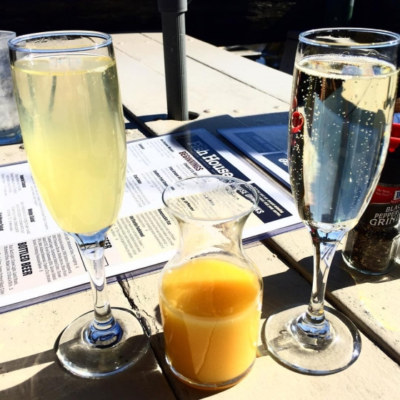 Brunch is better with $5 bottomless mimosas! Come see us for #sundayfunday today!