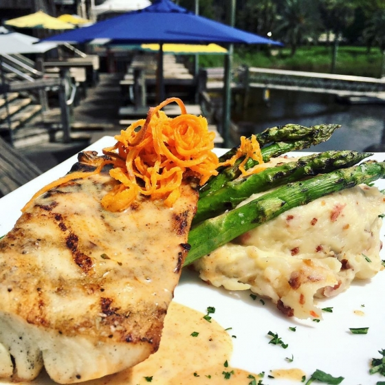 Happy Monday! Enjoy this beautiful day with lunch on the water! Today's lunch special: Grilled mahi over pepper jack and bacon mashed potatoes served with grilled asparagus! ?