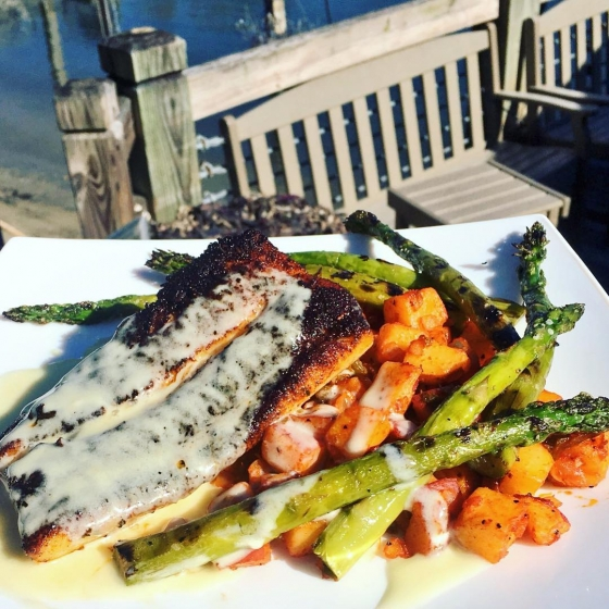 ?Today's lunch special is blackened mahi with potato hash served with grilled asparagus topped with lemon buerre blanc sauce! Let's eat! ?