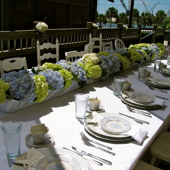 #tbt to an amazing bridesmaid brunch outside on the deck at Fish House #fishhousepensacola #bridal #brunch #flowers #hydrangeas Thanks @hemstitch_vintage for the chairs!