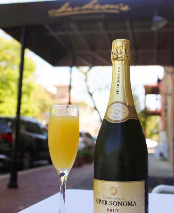 Nothing says brunch better than bottomless mimosas!! Come by and enjoy $10 bottomless mimosas from 11am-2pm